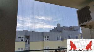 montaż siatki na balkonie